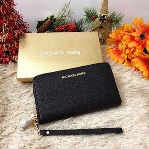 NWT Michael Kors Giftables Glitter Wristlet/Wallet